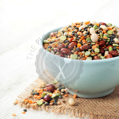 Mix of red  bean, lentil, green peas and chickpea
