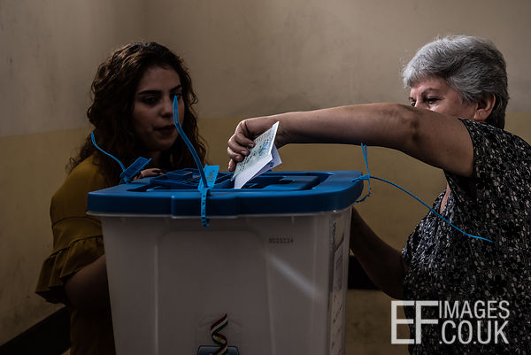 Casting a vote in the Kurdish Independence Referendum in Erbil, Iraqi Kurdistan, 25th September 2017