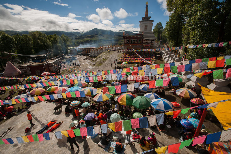Bame's 18-day festival honoring a living Buddha, Longdo Rinpoche, draws devout pilgrims from all over Tibet to listen to the ...