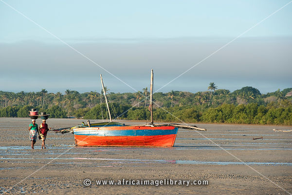 Dhow at low tide, Vilanculos, Mozambique