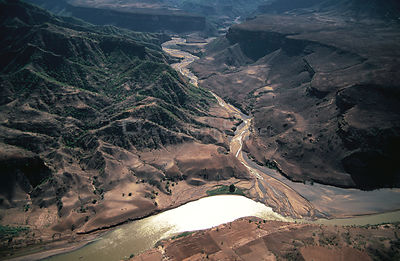Aerial view of Blue Nile in dry season, Shifartak bridge - Tisisat falls, Ethiopia
