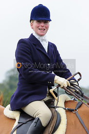 Lizzie Harris - The Belvoir Hunt at Long Clawson, 2-11-13