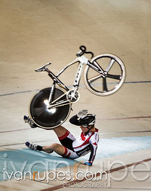 Eric Johnstone had a spectacular crash during the omnium elimination race at the 2013 UCI Junior Pan American Track Champions...
