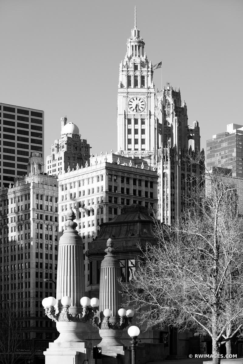 WRIGLEY BUILDING CHICAGO DOWNTOWN ARCHITECTURE CHICAGO ILLINOIS BLACK AND WHITE VERTICAL