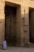 Medinet Habu, the second pylon between the first and second court, Ancient Thebes, Luxor, Egypt