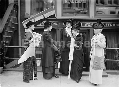 Suffragists in Wyoming, 1914