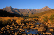The Thukela river falls down the amphitheatre wall, Royal Natal National Park, Ukhahlamba Drakensberg Park, KwaZulu-Natal, South Africa