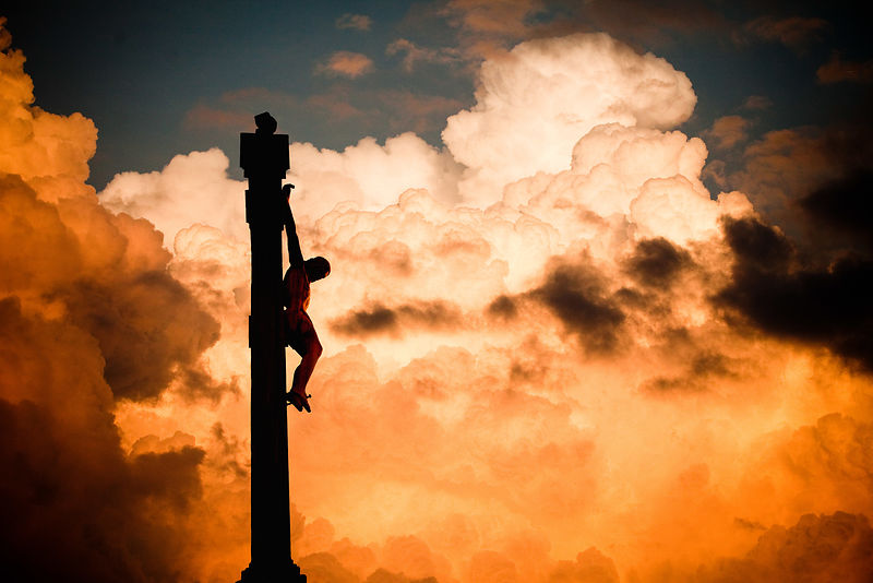 _MG_0137-CHRIST_SILHOUETTE