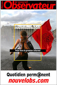 Le Nouvel Observateur Magazine.Protesters clash with French riot police in place de Concorde in Paris.