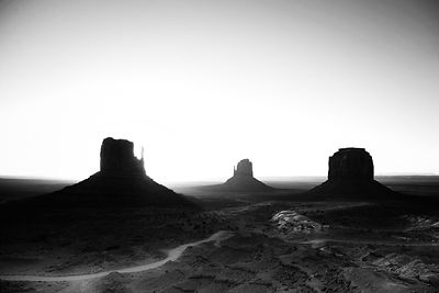 8817-Monument_Valley_National_Park_Arizona_USA_2014_Laurent_Baheux