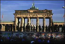 The fall of the berlin wall in november 1989