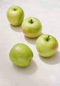 ACutting_apples_0417