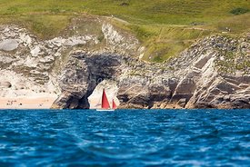 Drascombe Lugger passing Durdle Door, 201707070365