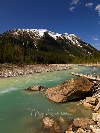 River_green_water_white_cap_Mtns_big_rock_0056