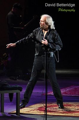 Barry_Gibb-023