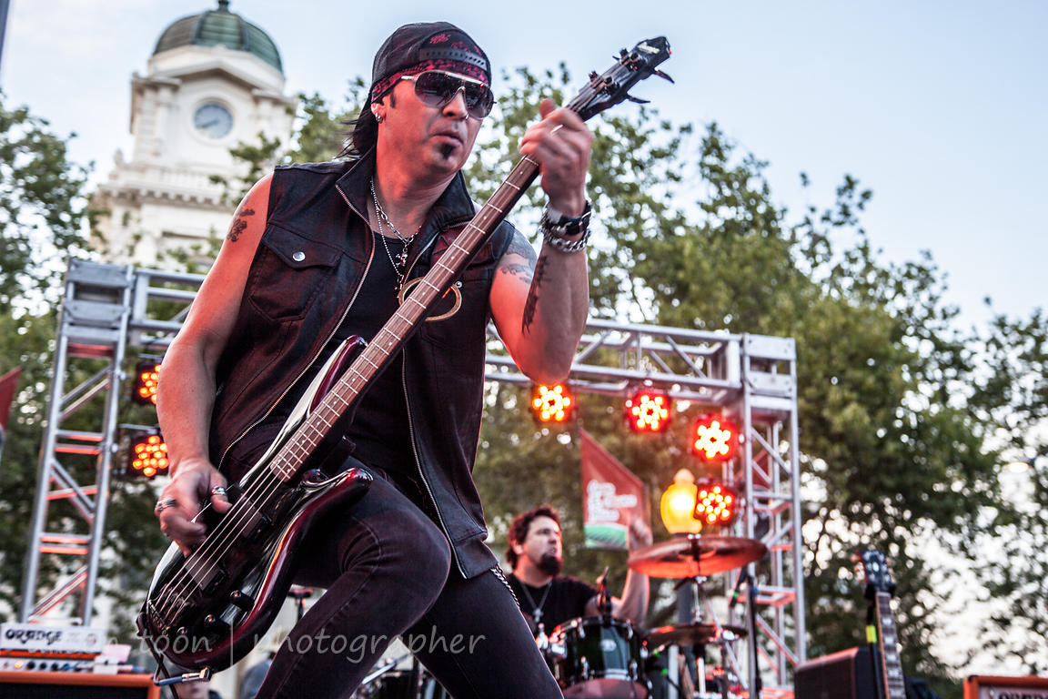 Aaron Leigh, bass, Frank Hannon Band, CIP 2015
