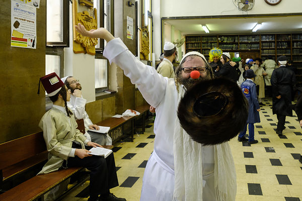 ultra-ortodox Celebrating purim holydat at mea-sharim neighborhood