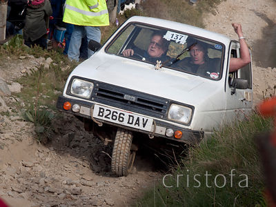a Reliant Rialto 3-wheeler makes it up the steep hill on the Blue Hills section of the MCC Land's End Trials