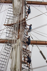 Tall_ships_Greenport_2015-9624