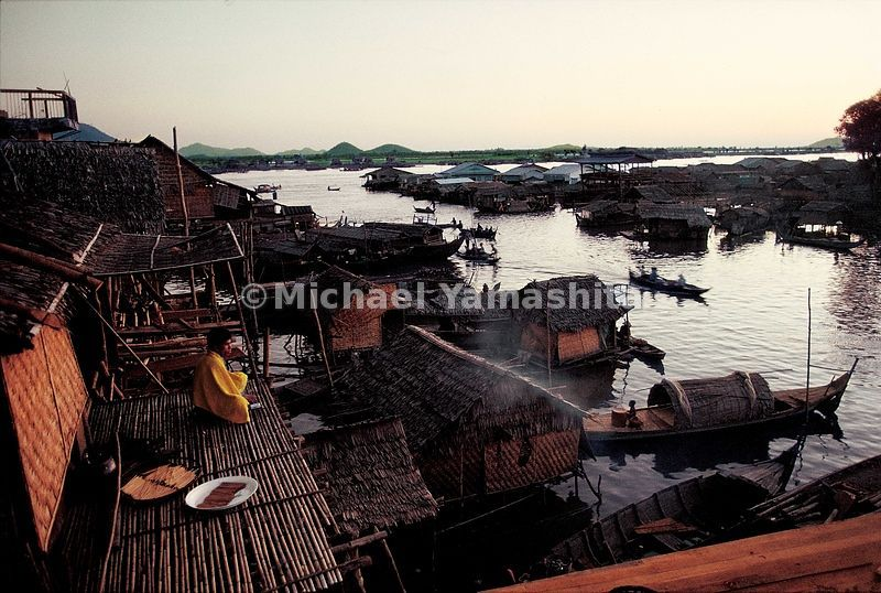 Stilt houses stand on the edge of Tonle Sap in Kampong Chhang. Zheng He's chronicler Fei Hsin called Kampang Chhang the south...
