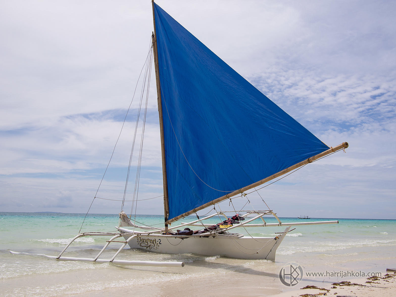 Philippines - Boracay (Beached Paraw)
