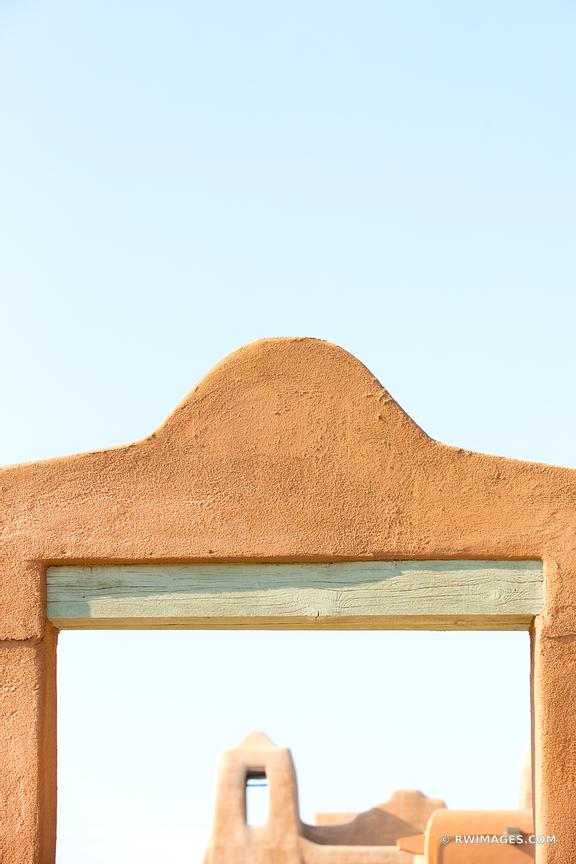 SANTA FE NEW MEXICO ADOBE ARCHITECTURE COLOR VERTICAL
