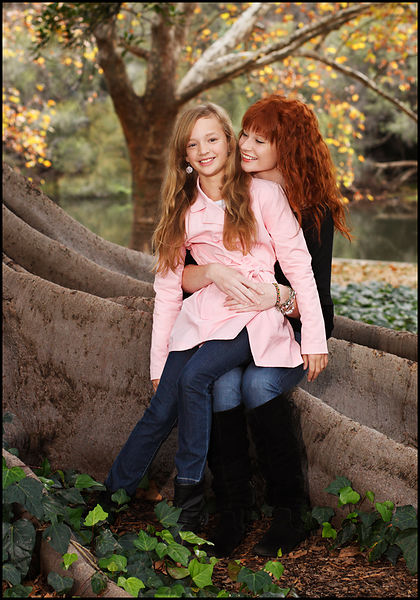 Sisters_portrait_in_park_perth