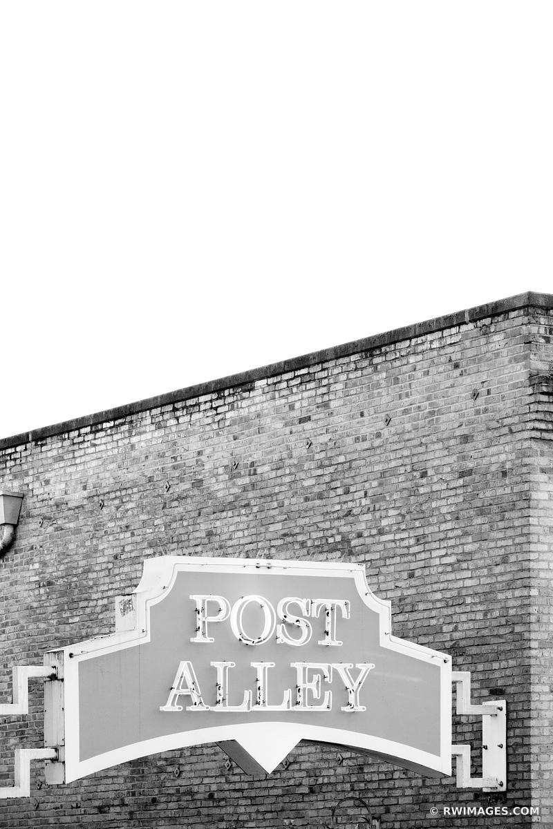 POST ALLEY SEATTLE BLACK AND WHITE VERTICAL