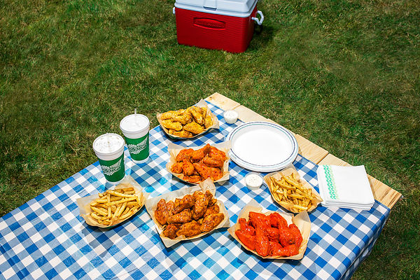 Wingstop_chickenwing_picnic_samanthaleviphotography