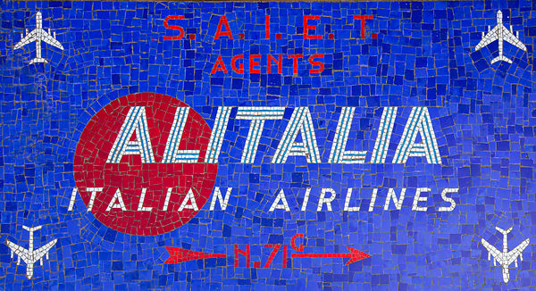 'Alitalia' Venice 2017  Photographer:  Neil Emmerson  £975 inc UK VAT  Edition of 25