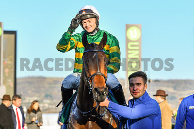 Palmers_Hill_winners_enclosure_18112018_(6)