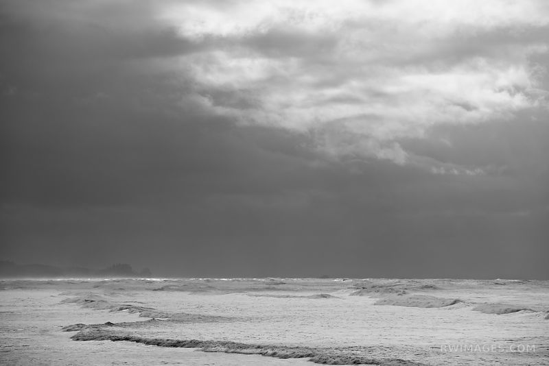 RUBU BEACH OCEAN WAVES OLYMPIC NATIONAL PARK WASHINGTON PACIFIC NORTHWEST BLACK AND WHITE