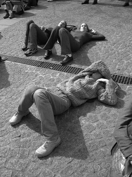 young people relax by the Pompidou Centre