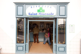 magasin vente de biscuits saint guenole