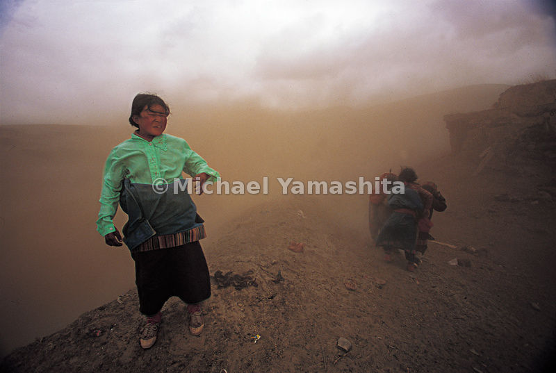 Sandstorm in Gansu, China.