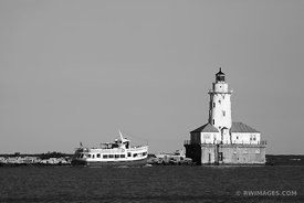 CHICAGO HARBOR LIGHTHOUSE BLACK AND WHITE
