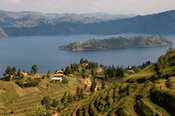Rwanda, Lake Burera near Ruhengeri at the Virunga Mountains