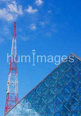 Triangle shapes in Dallas, Texas  (top of office building and antenna)