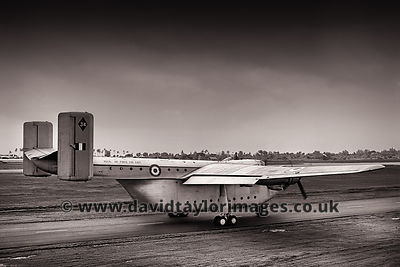 Doing the rounds | Beverley XM104 | RAF Changi November 1963