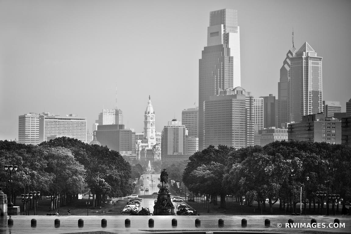 PHILADELPHIA SKYLINE PENNSYLVANIA BLACK AND WHITE