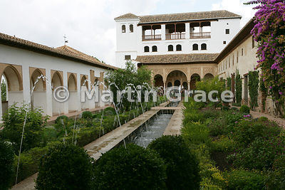 The West Pavilion beyond the Patio de la Acequia (Water Garden), Generalife, Granada, Andalusia, Spain
