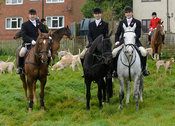 Dean Cripps, Shaun Cripps, Russell Cripps - The Cottesmore Hunt meet at Oak House, Tilton On The Hill, Saturday 31st October ...