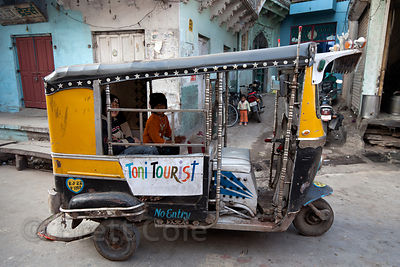 Children in an auto rickshaw in Jodhpur, Rajasthan, India