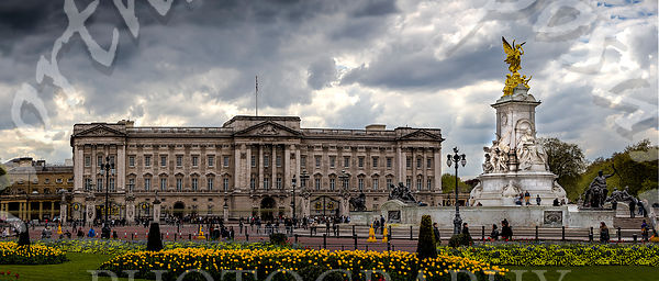 Buckingham_Palace_try_2_no_van