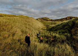 Family in the dunes in Thy 6