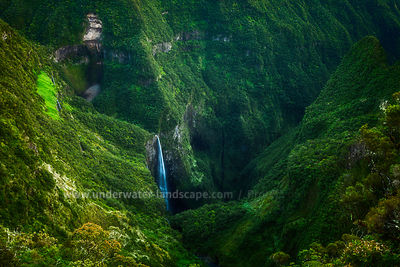 Waterfalls - Trou de fer