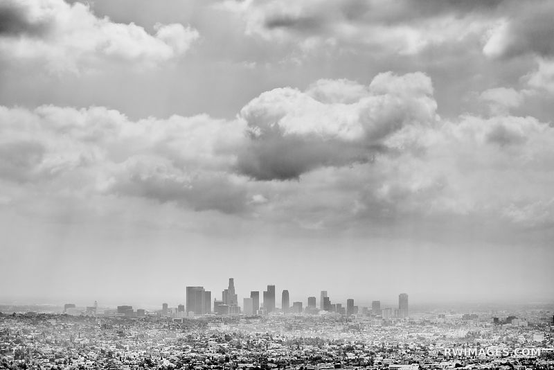 LOS ANGELES SKYLINE BLACK AND WHITE