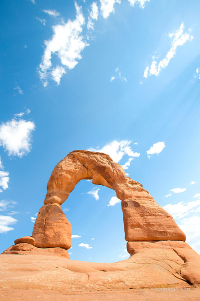 DELICATE ARCH ARCHES NATIONAL PARK UTAH COLOR VERTICAL