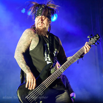 "Reginald ""Fieldy"" Quincy Arvizu, bass, Korn"