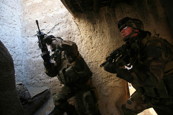 2009 Bedraou Valley, kapisa Province. Explosives search operation conducted by the 27 th BCA (mountain infantry battalion) in...